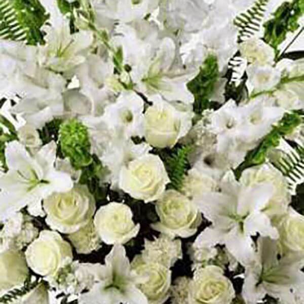 Deluxe Designers Choice Bouquet - White